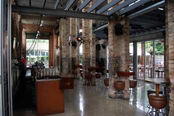 Modern bar facilitiies at the Breakfast Creek Hotel