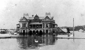 The Breakfast Creek Hotel during the 1893 Brisbane floods