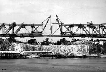 Construction almost complete on Brisbane's Story Bridge in 1938.