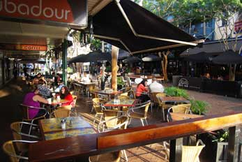 Brunswick Street Mall cafes and restaurants